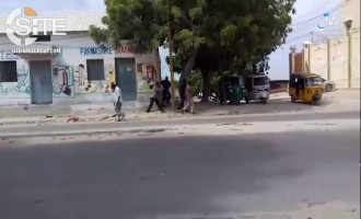 As IS Claimed Attacks Increase in Somalia, 'Amaq Video Shows Shooting Death of 2 Somali Government Finance Employees in Mogadishu