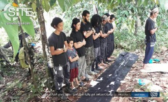 "IS' ""East Asia Province"" Publishes Photos of Fighters in Jungle, Child in Ranks"