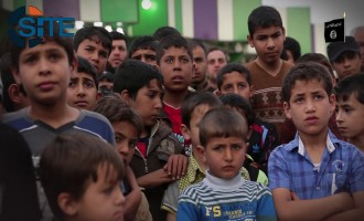 Children Incite for Jihad in Front of Audience of Young Boys in IS Video