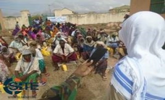 Shabaab Photo Report Shows Food, Medical Aid Delivered to Mudug Residents