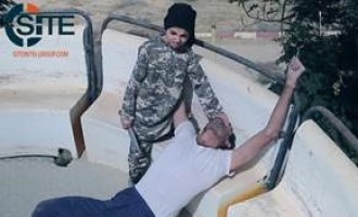 "Small Children Behead, Shoot to Death PKK ""Agents"" in Grisly IS Video from Deir al-Zour"