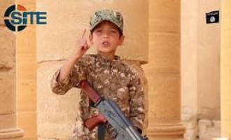 Children in IS Training Camp Threaten in Video that IS Will Conquer Rome