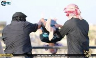 IS Publishes Photo Report on Executing Homosexuals in al-Fallujah
