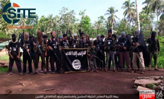 "IS Gives Photos of ""Muhajir Battalion"" in the Philippines Pledging Allegiance"
