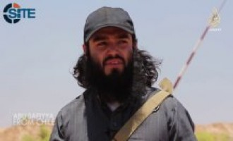 Chilean Fighter Reviews Spoils Taken by Islamic State at Iraq-Syria Border