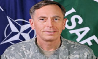 Afghan Taliban Says Petraeus' Transfer is Result of Failure