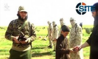 IS Video Shows Beheading of Eight Shi'ites in Hama, Child Distributing Knives to Fighters