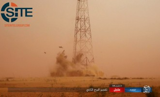 IS Photo Report Shows Destruction of Two Communications Towers Near al-Tanf Border Crossing