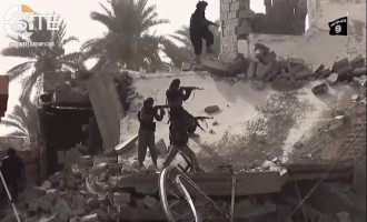 IS Video Shows Raid on PMU Barracks North of Baiji in Iraq's Salah al-Din Governorate