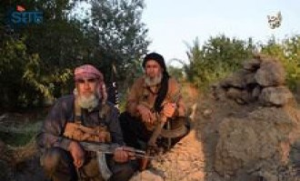 Elderly IS Fighters Call Muslim Youths to Battlefield in Video
